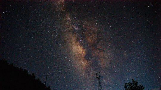 云南芒市星空浩瀚 銀河閃耀