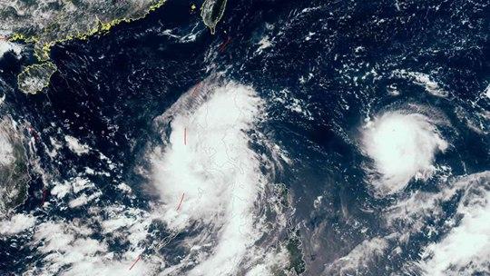 """卫星之眼看台风 """"灿都"""" 强度将缓慢减弱"""