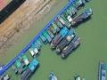 """台风""""康森""""靠近 海口渔船回港避风"""