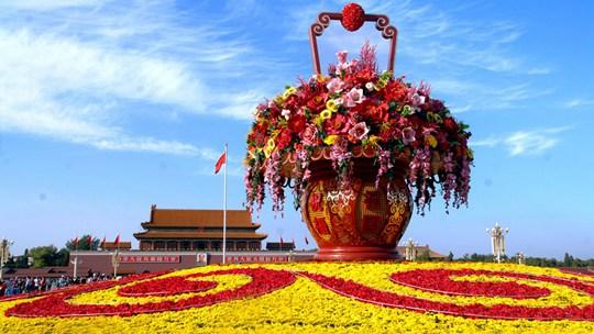 盘点往年国庆花坛造型