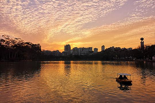 福州迎来新年首个晴天  靓丽晚霞惊艳了天空