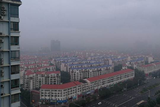 贵港:雨后清晨雾蒙蒙