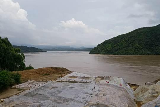 武宣黔江水位超警戒线