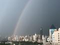中国天气网广西站讯 今天(20日)傍晚时分,一场狂风暴雨过后,南宁的上空出现了两道彩虹,蔚为壮观。(图文/周玉)