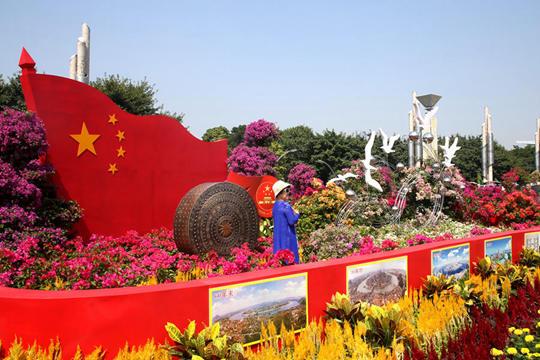 柳州市民共赏繁花盛宴