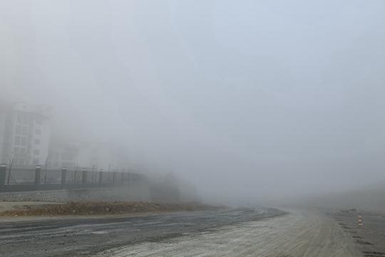 百色西林高山现大雾