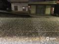 中国天气网广西站讯 2020年1月24日(除夕)下午到晚上,广西南宁、百色、河池、崇左等市多地出现2020年以来的首场冰雹天气。图为24日21时左右,河池市都安县城出现冰雹天气,冰雹最大直径约4厘米。(文/周玉 杨少秋 黄丹虹 黄凌燕 林金红 图/张家富 黄丹虹 农雄涛 黄凌燕 林金红)