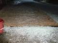 2月13日23时左右,强对流袭击广西,梧州市苍梧县六堡、狮寨等地出现冰雹天气,网友拍下了冰雹过后的现场图。
