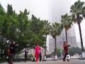 图为22日早晨,钦州市民在雾里晨练。(图/李斌喜)