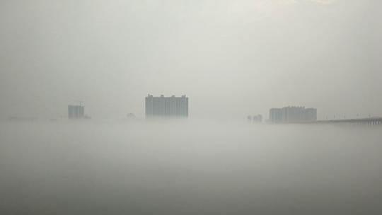 贵港平南浔江浓雾笼罩