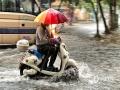 中国天气网广西站讯 4月26日上午,钦州市城区遭遇强降雨袭击,木井路、建设路、新华路、等路段出现不同程度积涝,给市民交通出行造成不便。(文/黄维明 图/李斌喜)
