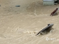 中国天气网广西站讯 5月11日晚起至12日早上,广西北部的桂林、柳州、河池出现强降雨天气,部分地区降下大到暴雨乃至大暴雨,局地特大暴雨!柳州市融安县长安镇12小时雨量达到258.7毫米!强降雨导致部分地区积水严重、交通出行受阻,树木倒伏、农作物受损,有的地区甚至出现山体塌方,导致道路中断。图为永福城内路面井盖被打开。(图/蒋熙 文/卿跃文 何正令 秦晓翠 蒋熙 )