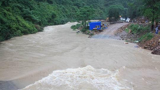 强降雨致桂北出现内涝塌方