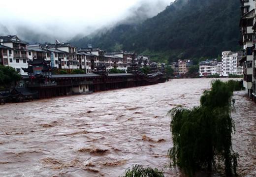 广西多地强降雨强对流