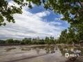 河北廊坊燕郊,最近兩天,當地多雷雨天氣,天空陰沉。今天早晨,雨過天氣,碧空如洗。攝影愛好者用鏡頭記錄下了蔚藍的天空。(攝影/李輝)
