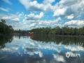 最近几天,河北承德迎来蓝天白云的好天气。并且气温的上升,也让室外夏天的味道越来越浓。在市区的武烈河和避暑山庄内,蓝天白云与河面、湖面交相辉映,映衬出水天一色的初夏美景。(图/穆瑞刚)