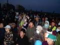 寒风中村民们仍然津津有味地观看宣传节目。(文/图   夏唯光)