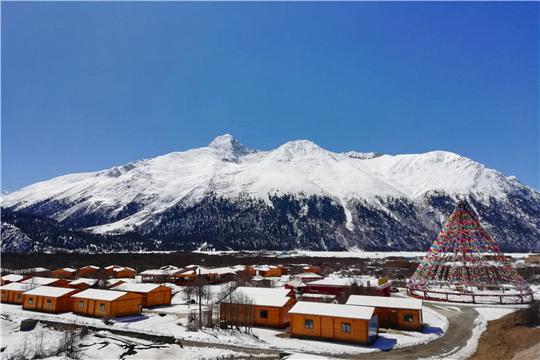 西藏然乌:三月的然乌湖,美丽冻人