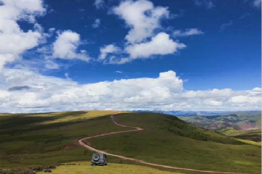 从甘孜到迪庆藏族自治州的风景