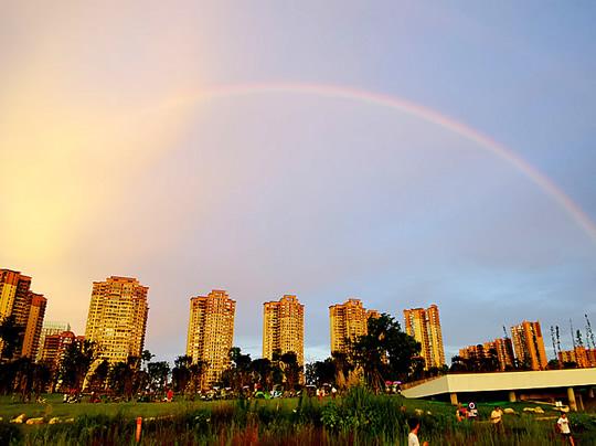 美爆了!彩虹与晚霞齐现德阳