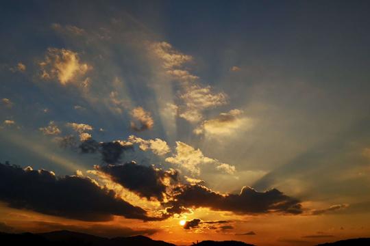 西雙版納金色的傍晚猶如一幅幅美麗的織錦