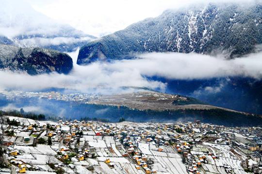 江畔的雪, 别样的美,怒江第一湾雪景醉美人心